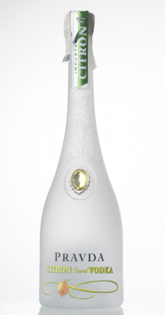 detail Pravda Vodka Citron 0,7L 37,5%